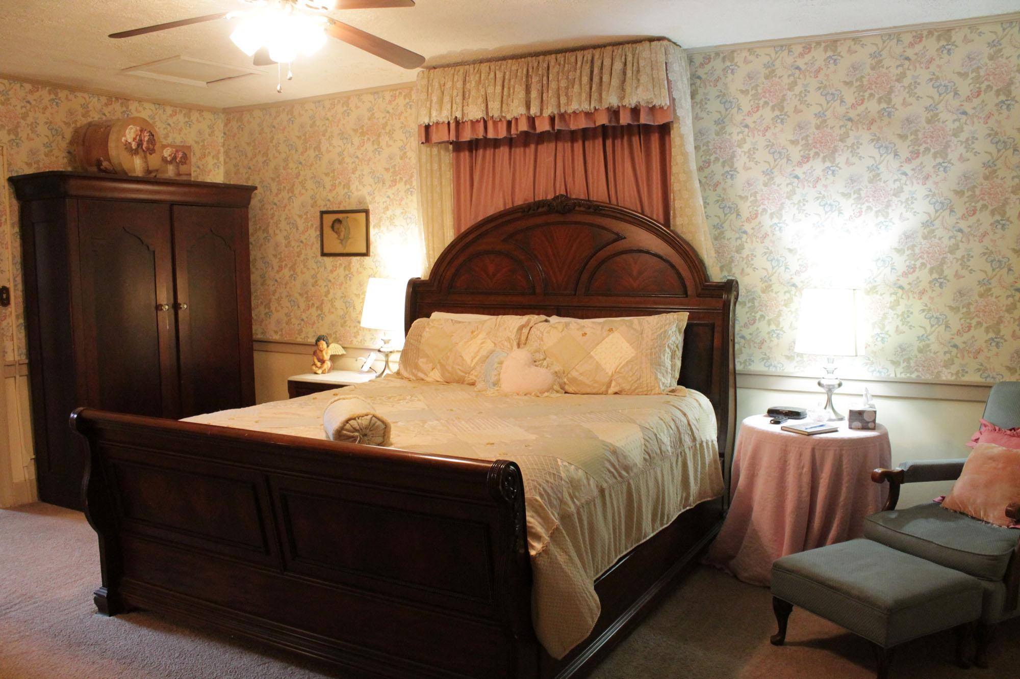 Victorian Room Jailer S Inn Bed Amp Breakfast
